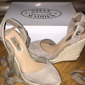 Steve Madden taupe suede espadrille wedge!